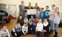 Sparkasse Fürstenfeldbruck unterstützt Türkenfelds musizierendes Klassenzimmer